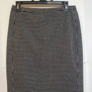Merona Black & White Pencil Style Sz 8 Skirt